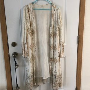 Bell sleeved duster w/ button detail